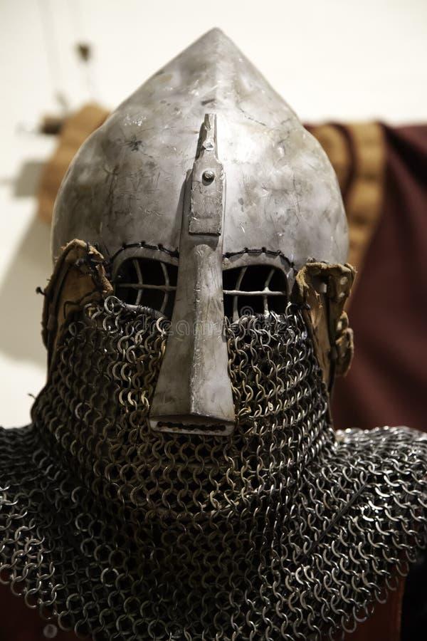 Armadura medieval de los cascos foto de archivo