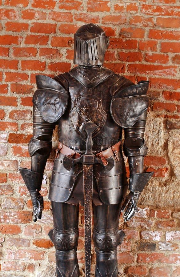 Armadura medieval del caballero imagenes de archivo