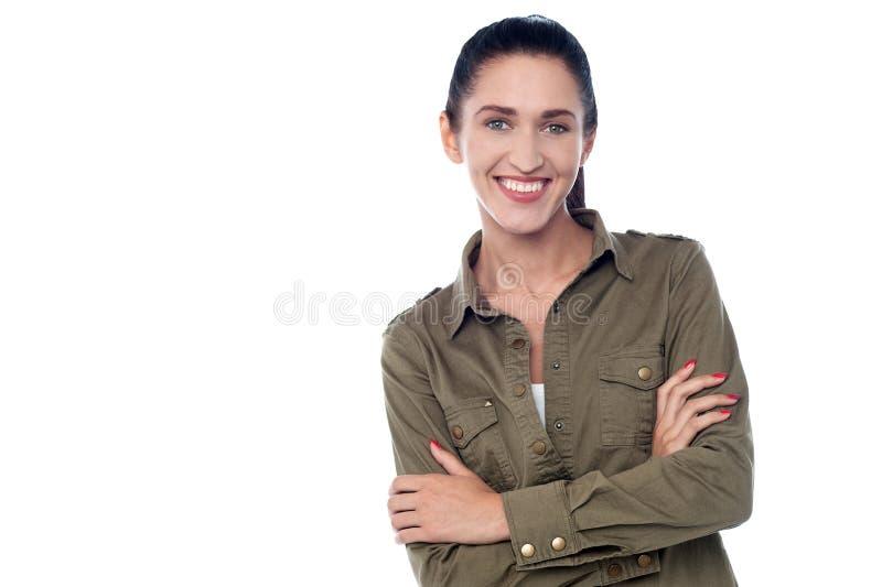 armar korsat plattform kvinnabarn royaltyfria bilder
