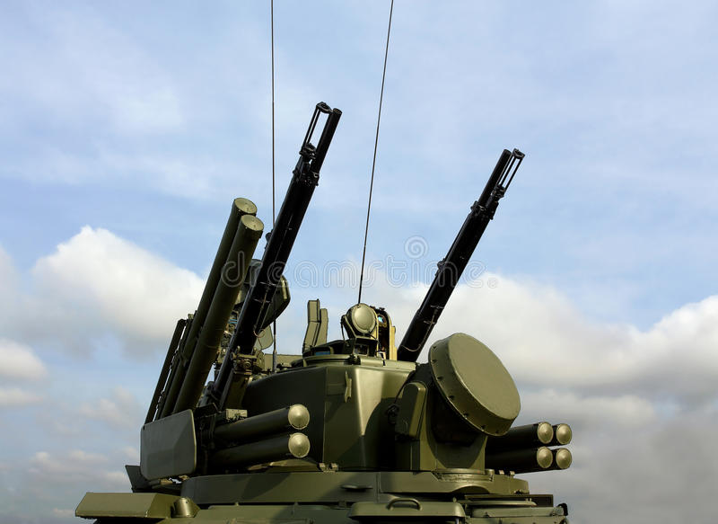 Armas da defesa antiaérea Tunguska fotografia de stock