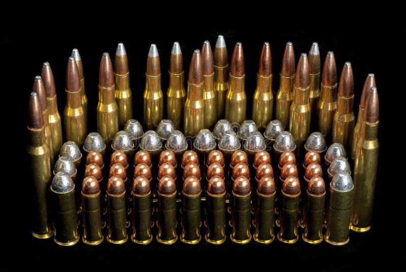 Armatnich amunicyjnych pocisków różni rozmiary fotografia stock