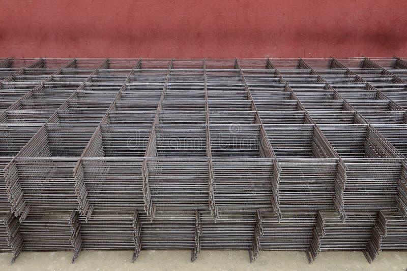 Armature металла сложенный на улице стоковое фото rf