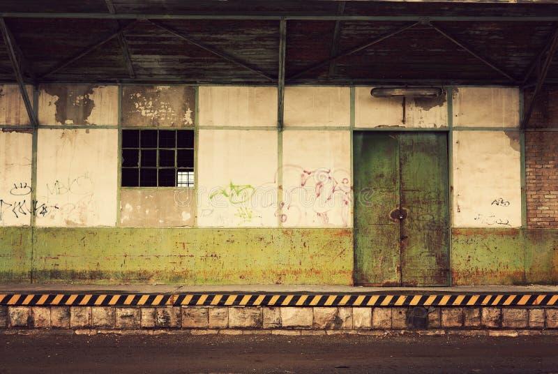 Armazém abandonado foto de stock