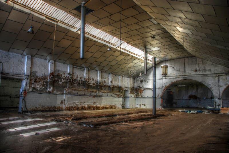 Armazém vazio abandonado. foto de stock royalty free