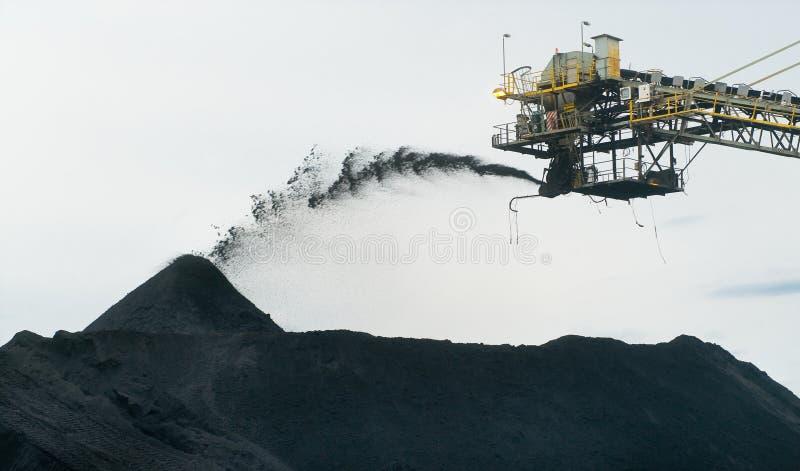 Armazenagem de carvão imagem de stock
