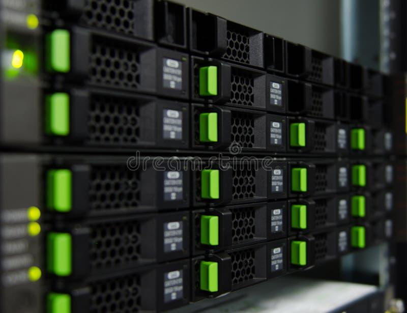 Armazenamento de disco da disposição no centro de dados fotos de stock