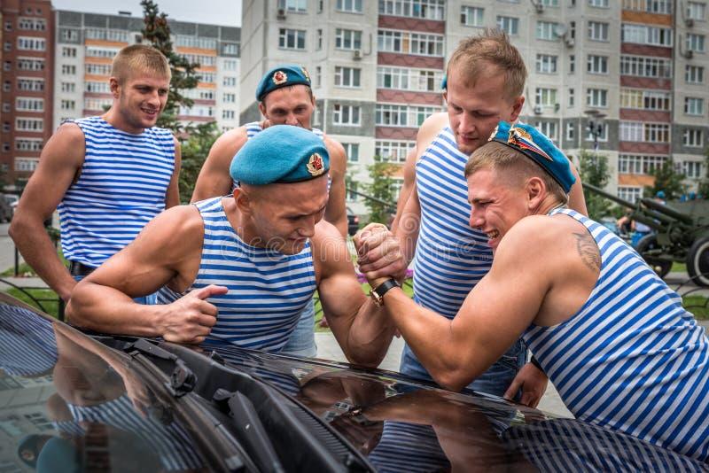 Armbrottning i luftburna styrkor för dag royaltyfria bilder
