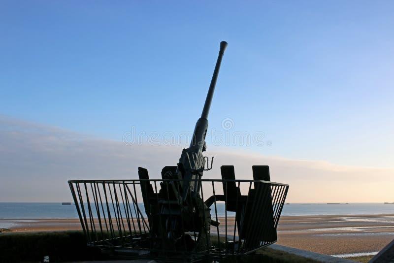 Arme à feu antiaérienne, Arromanches photographie stock