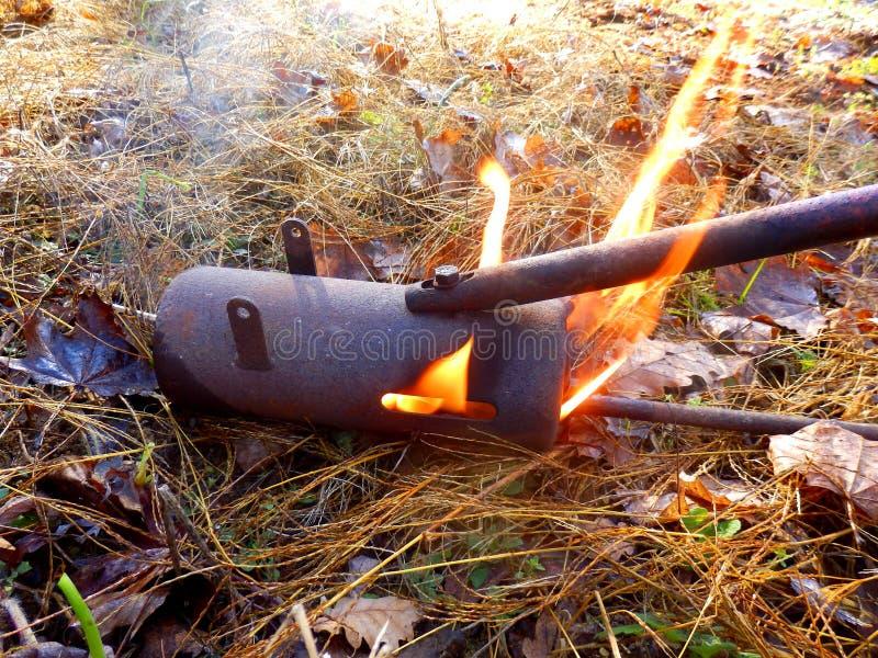 Arme à feu de flamme ou lanceur de flamme photographie stock