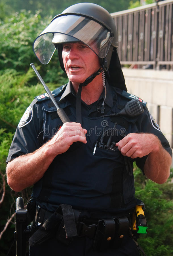 Free Armed Toronto Police Officer For Rio Of G8/G20 Stock Photography - 14902212