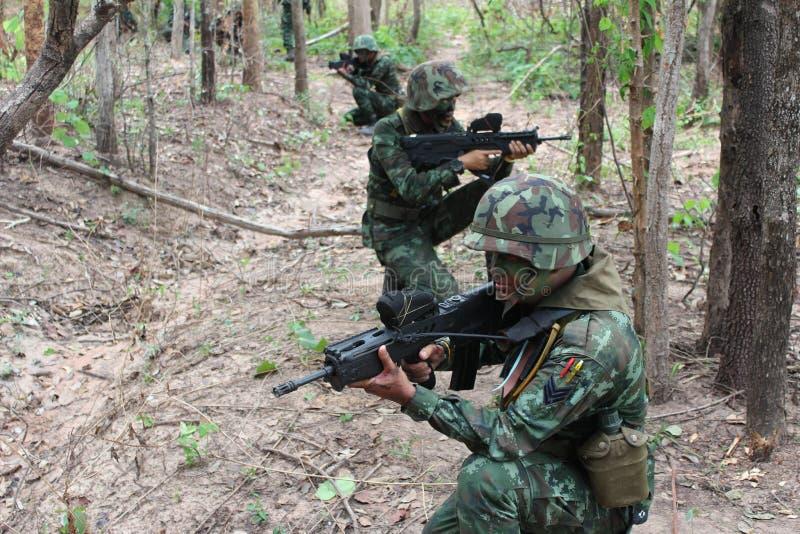 Armee thailändisch lizenzfreies stockbild