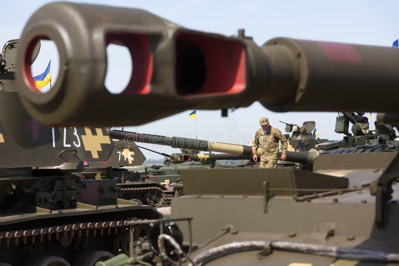 Armements et équipement militaire des forces armées de l'Ukraine image libre de droits