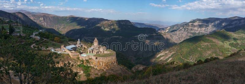 Armenien Tatev Kloster vor dem Hintergrund einer majestätischen Landschaft lizenzfreies stockfoto