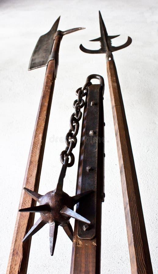 Armes médiévales images libres de droits