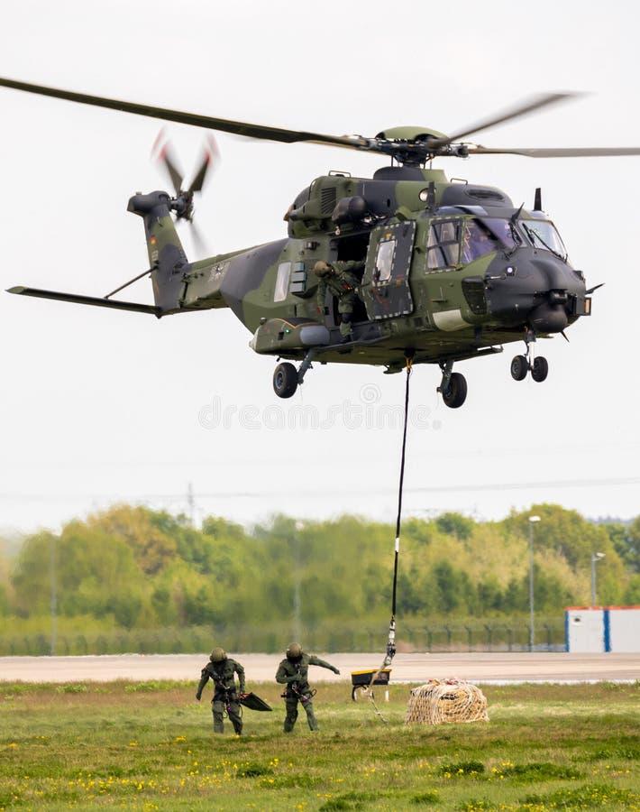 Armii niemieckiej NH-90 TTH wojskowego helikopter zdjęcie stock