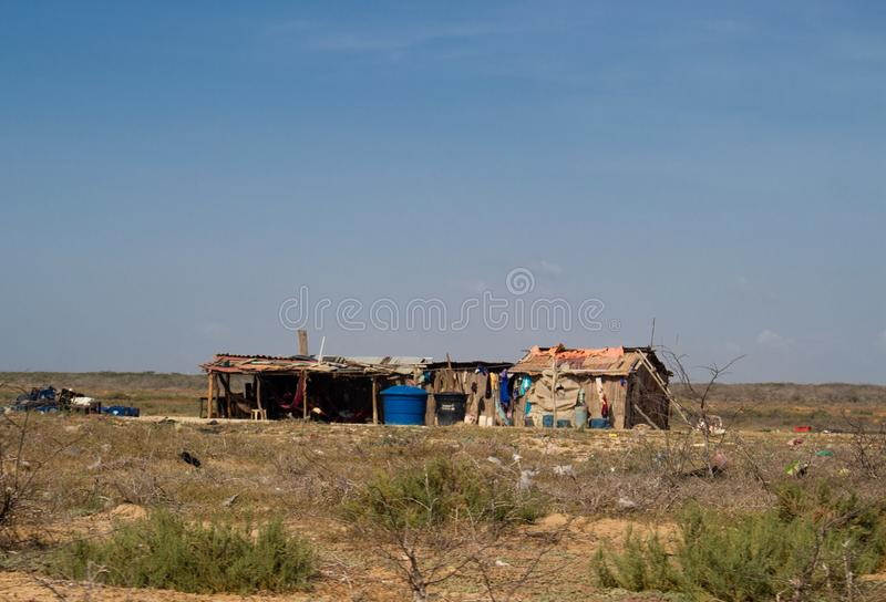 Armod i en ointressant öken De don't har vatten Guajira Colombia royaltyfria bilder