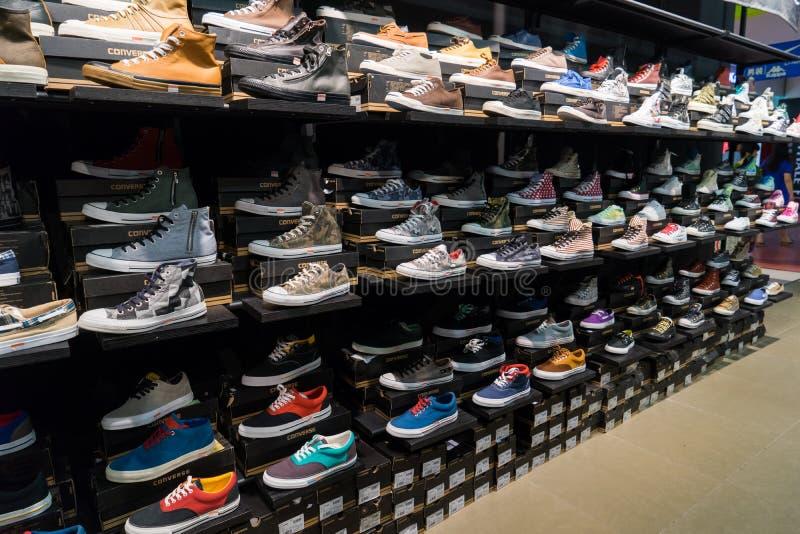 Armoire des chaussures photos libres de droits