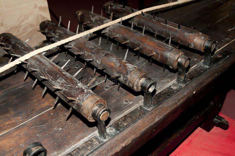 Armoire médiévale de torture images stock