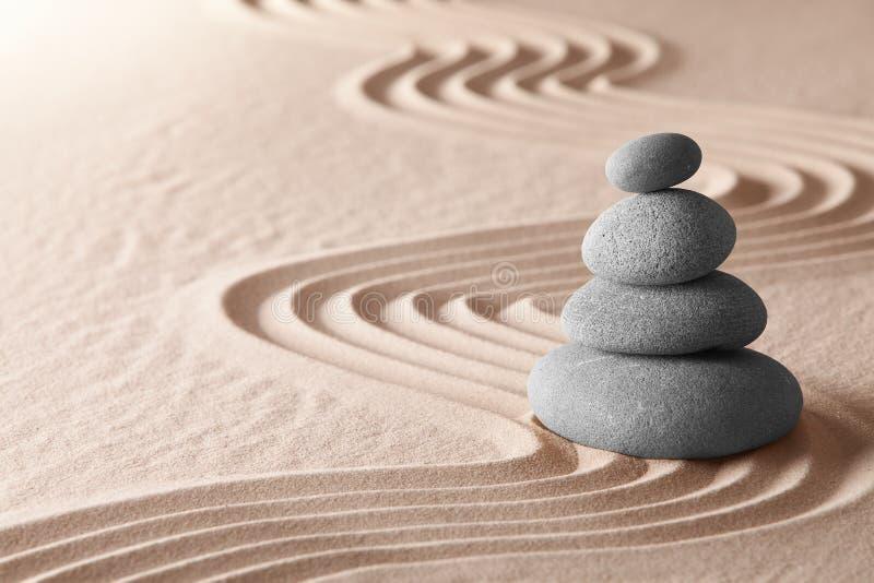Armonía de la simplicidad del jardín de la meditación del zen imagen de archivo