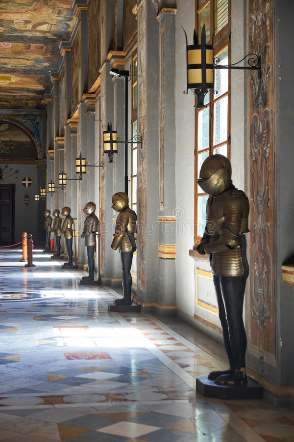 Armourykorridoren på det huvudsakliga golvet av vännen för Grandmaster` s royaltyfri bild