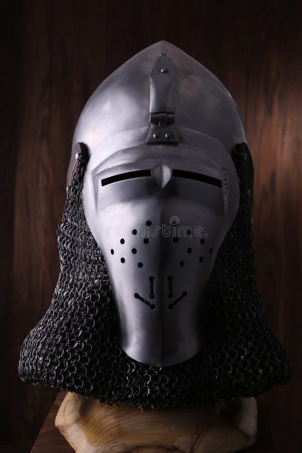 Armure du chevalier médiéval Protection en métal du soldat images libres de droits