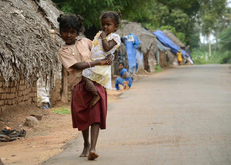 ARMUT-KIND IN INDIEN lizenzfreie stockfotos