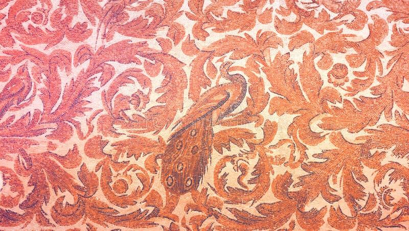 Arnment antigo com um pássaro no museu de Bardo, Tunísia imagem de stock royalty free