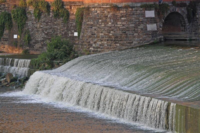 Arno River Cascade stock foto's