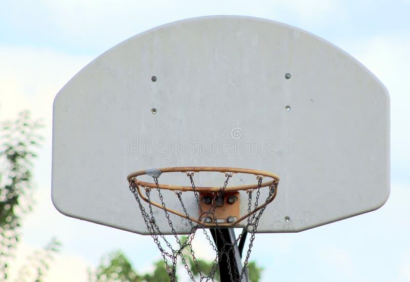 Aro de basquetebol do quintal fotos de stock