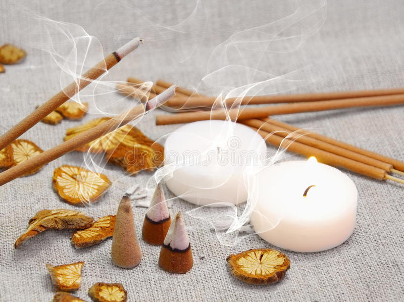 Aroma Set with Smoking Sticks and Pyramides