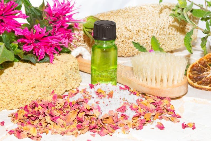 Aromatherapy en el tiempo del baño foto de archivo libre de regalías