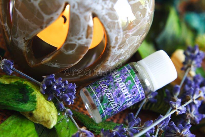 Aromatherapy - essência de alfazema imagem de stock royalty free