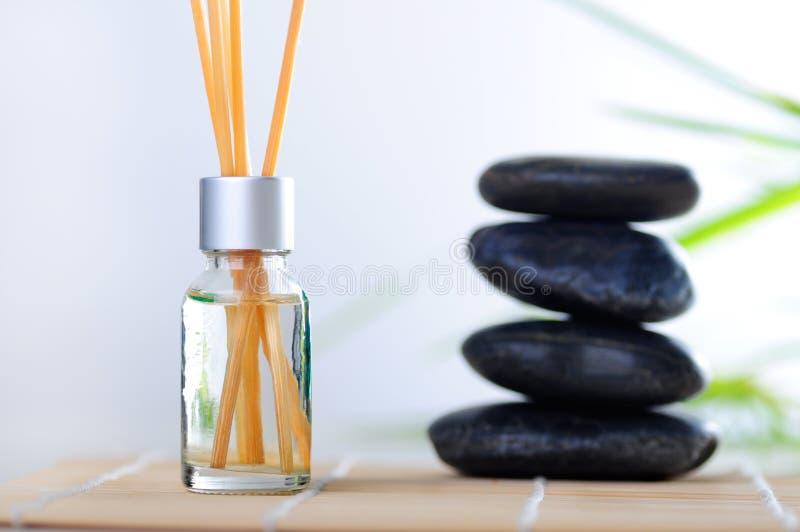 Download Aromatherapy Nafciani Kamienie Zdjęcie Stock - Obraz złożonej z pachnidło, natura: 13330162