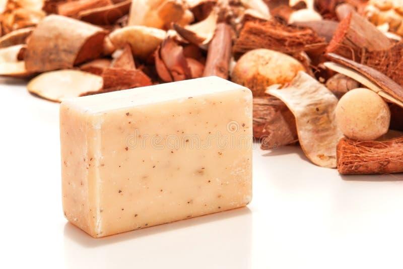 Aromatherapy natural Marsella hizo la barra del jabón de baño imagenes de archivo