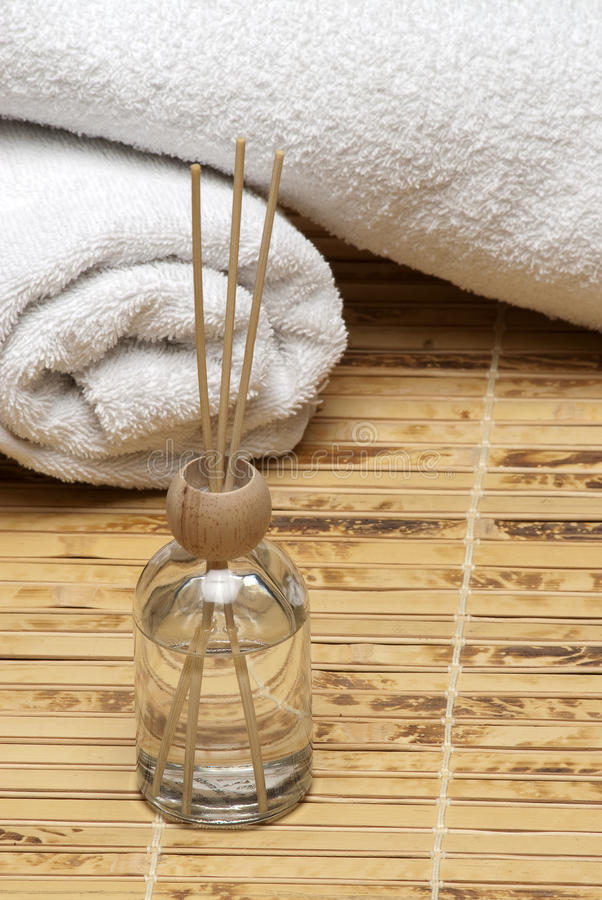 Aromatherapy Spa Scent Diffuser With Towels Bamboo Royalty Free Stock Image