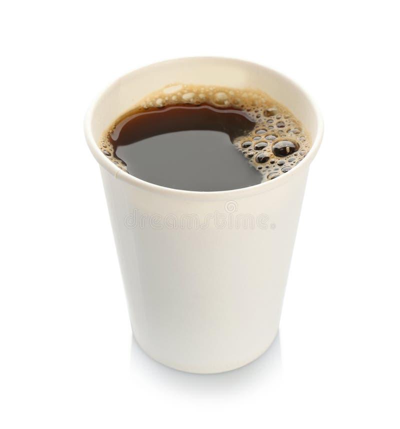 Aromatischer Kaffee in der Mitnehmerpapierschale lizenzfreie stockfotografie