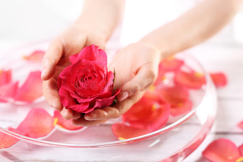 Aromatisk badhand royaltyfria foton