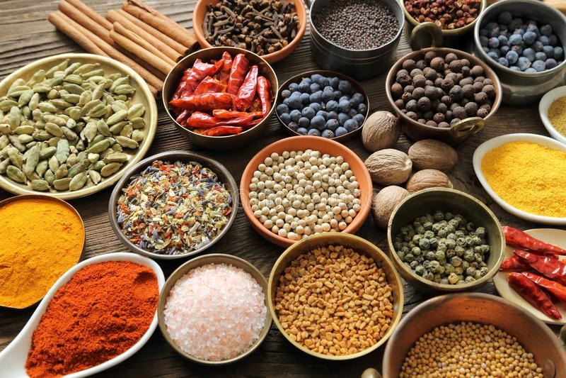 aromatiska kryddor royaltyfri fotografi