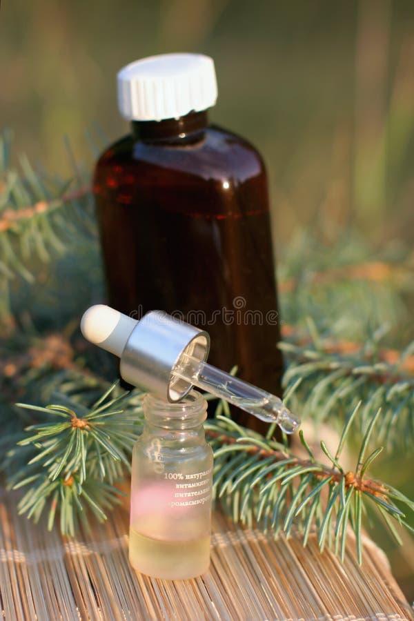aromatyczny ekstrakta jodły olej obraz stock