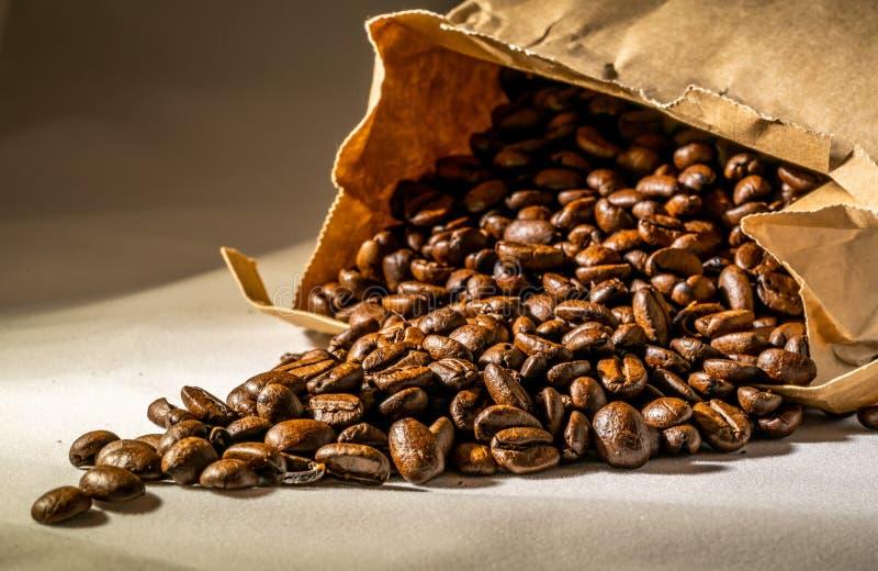 Aromen av nytt kaffe royaltyfri foto