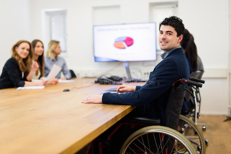 around business businessman camera desk having leaning looking meeting others sitting smiling team στοκ εικόνες με δικαίωμα ελεύθερης χρήσης