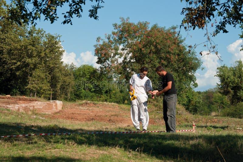 Arqueólogos que trabalham no complexo de Lorun foto de stock royalty free