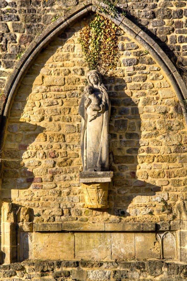 Arquez à l'abbaye d'Orval en Belgique images libres de droits