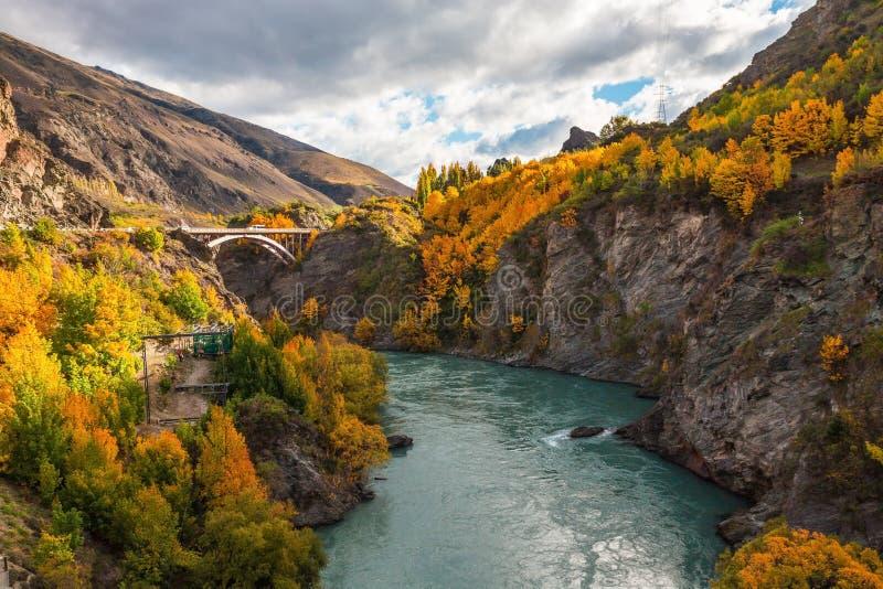 Arquez le pont au-dessus de la rivière de Kawarau près de Queenstown, Nouvelle-Zélande images libres de droits