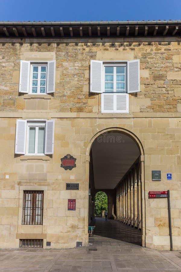 Arquillos hus och passage i mitten av Vitoria-Gasteiz royaltyfria foton