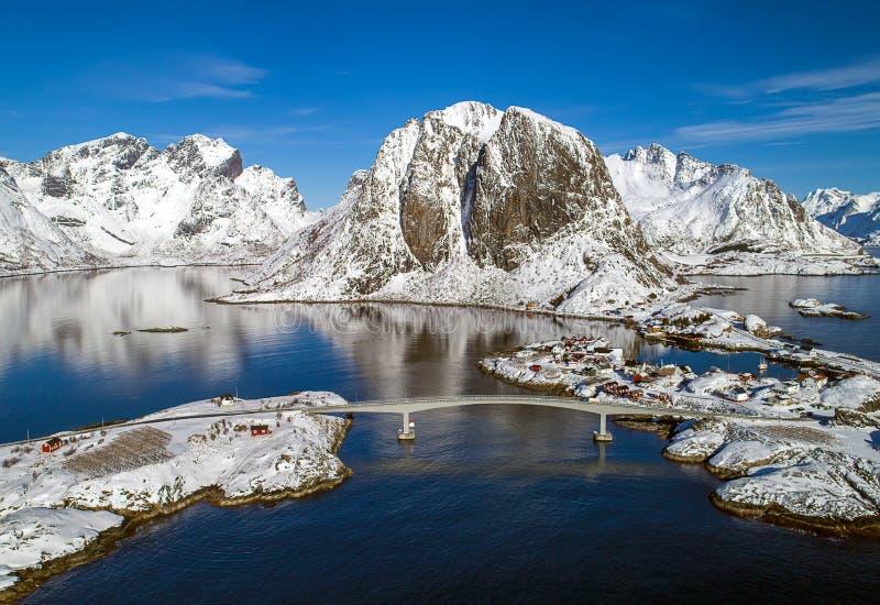 Arquipélago de Lofoten em Noruega no tempo de inverno imagem de stock royalty free