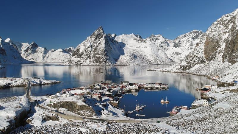 Arquipélago de Lofoten em Noruega no tempo de inverno fotografia de stock royalty free
