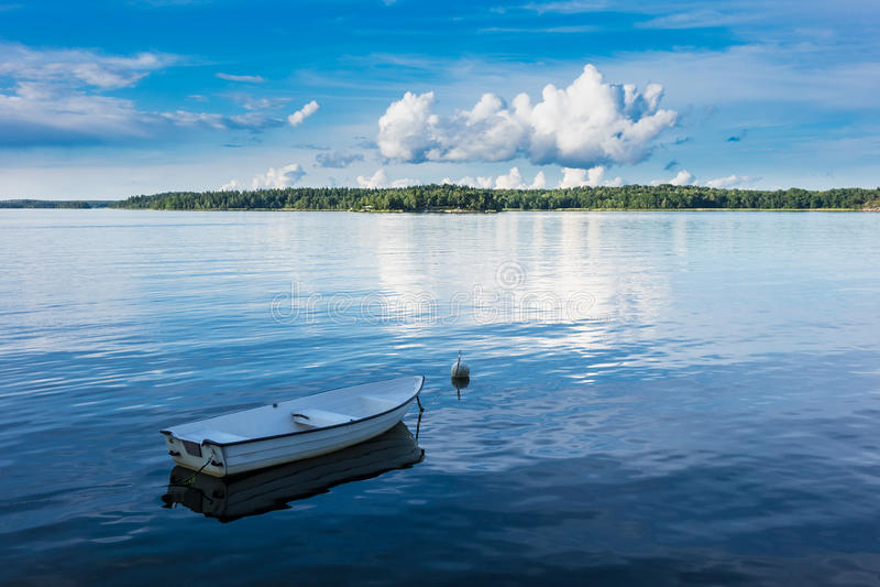 Arquipélago na costa de mar Báltico imagem de stock royalty free