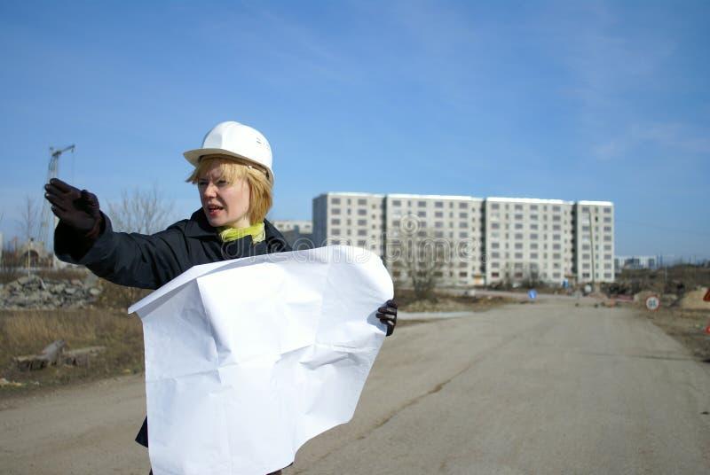 Arquitecto de las mujeres en sitio imagen de archivo libre de regalías