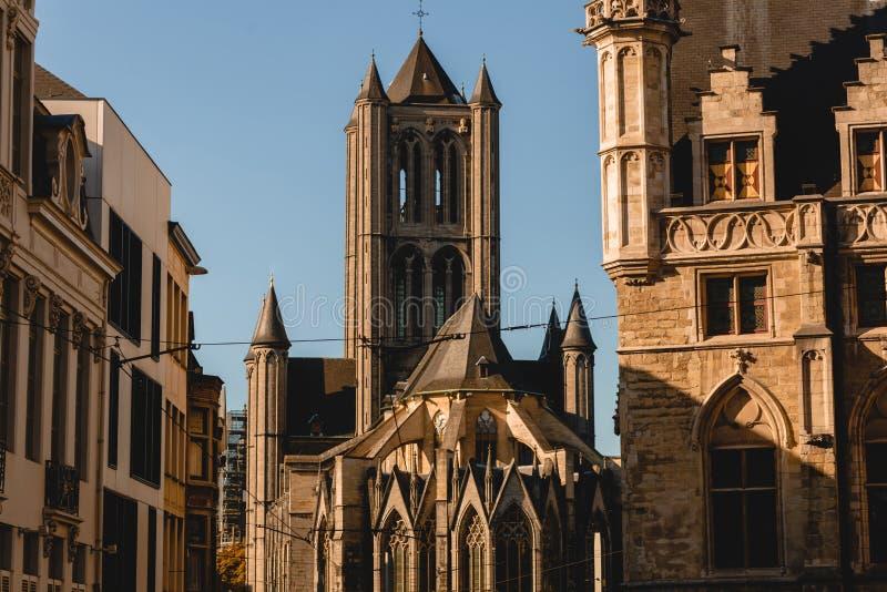 arquitectura antigua hermosa en cuarto histórico de imagen de archivo